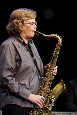 Cynthia Mullis, saxophone